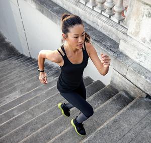 Med Fitbit Alta kan du lätt räkna dina steg